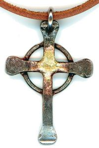 Celtic Steel Nail Cross - Created by Swedish horseshoe nails and as unique as you are Nail Jewelry, Jewelry Tags, Metal Jewelry, Horseshoe Nail Art, Horseshoe Crafts, Metal Projects, Metal Crafts, Horse Shoe Nails, Steel Nails