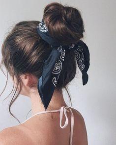 Messy Bun Hairstyles, Headband Hairstyles, Back To School Hairstyles Easy, Hairstyles For Girls, Heatless Hairstyles, Hairstyles For Going Out, Easy Hairstyles Straight Hair, Hairstyles For Summer, Teenager Hairstyles