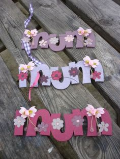Handpainted wooden MUM sign for Mother's by KatijanesCreations, Mothers, Hand Painted, Sign, Creative, Handmade, Etsy, Vintage, Signs, Craft