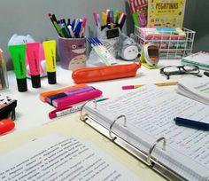 School Supplies Organization, Diy School Supplies, School Supplies Highschool, Stationary Store, School Study Tips, Study Space, Study Hard, Study Inspiration, Studyblr
