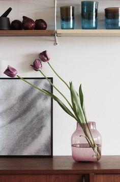 Rose Silent vase by Muuto Estilo Interior, Interior Styling, Interior Design, Nordic Design, Scandinavian Design, Scandinavian Living, Marsala, Ikebana, Color Inspiration