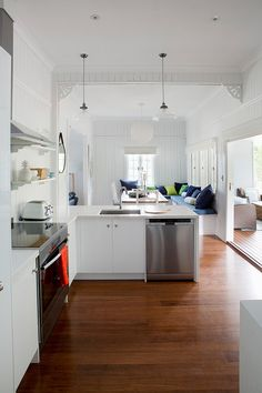 House Rules Holiday Home Kitchen Masters Home Improvement Caesarstone  Calacatta Nuvo (8)