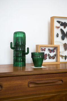 Glass apperitive set shaped as the iconic Saguaro cactus. It is composed of five cups and a bowl. Stackable, both decorative and functional.