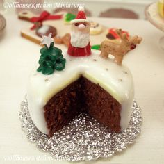 Hey, I found this really awesome Etsy listing at https://www.etsy.com/listing/210127125/christmas-cake-dollhouse-miniature