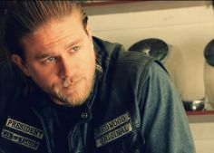 Jax teller sons of anarchy Just Beautiful Men, Pretty Men, Raleigh Becket, Sams C, Sons Of Anarchy Samcro, Sons Of Anarchy Motorcycles, Charlie Hunnam Soa, Jax Teller, Christian Grey