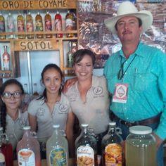 Comprando un #sotol #quebonitoeschihuahua #nuevocasasgrandes #mexico por cruzperezcuellar en Instagram http://ift.tt/1PZX5Ae #navitips
