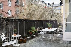 Klein appartement, super slim ingericht met Scandinavisch design - Roomed | roomed.nl
