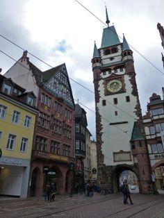 Puerta de San Martín (Martinstor) en Friburgo de Brisgovia, Alemania