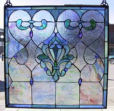 http://www.stainedglassandmore.com/Victorian.htm