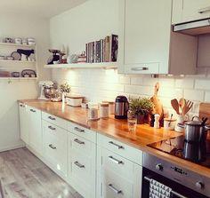Dzień dobry zaczynam od kawy #instaday #coffee #coffetime #mykitchen #white #wood #kitchen #adel #ikea #ikeapolska #stenstorp #hmhome #ceramikabolesławiec #ceramika #instakitchen #polishpottery #interior #interiordesign #scandi #scandinavian #scandistyle #stylskandynawski #home #dom #wnętrza #instapoland #starydom #dombieląmalowany