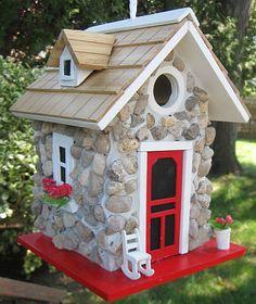 Hatchling Fieldstone Guest Cottage Birdhouse