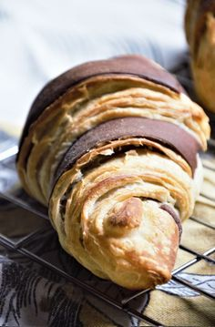 You're reading well, this recipe yields 4 French croissants in under 5 hours! French Croissant, Croissant Dough, Croissant Recipe, Egg Wash, Kitchen Witch, Croissants, Tray Bakes, Layers