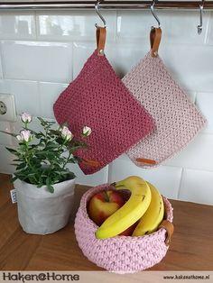 Crochet Home, Free Crochet, Knit Crochet, Diy Haken, Crochet Furniture, Crochet Hedgehog, Braided Rag Rugs, Knitting Patterns, Tejidos