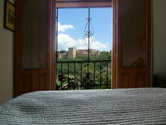 chambre n°2 voir las-tres-terrazas.com Photos, Windows, Beads, Breakfast, Spain, Bedroom, Beading, Morning Coffee, Pictures
