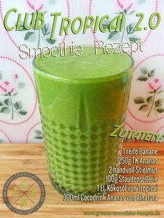 Grüner Smoothie mit Stielmus, Kokosöl von Tropicai, Ananas, Sellerie, Banane und dem Coco Drink Ananas von Alnatura