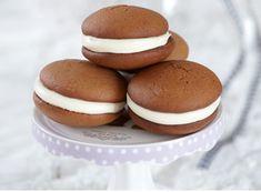 Cake Original, Healthy Snaks, Greek Sweets, Greek Dishes, Macaroons, Cake Cookies, Cupcakes, Pecan, Caramel