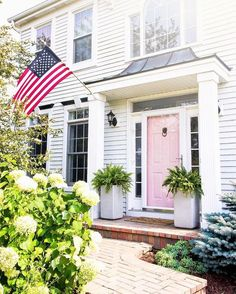 Every beautiful cottage garden has common principles that make them a success. Learn about the fundamentals you need to create your very own cottage garden. Low Maintenance Garden Design, Low Maintenance Landscaping, Low Maintenance Plants, Best Front Doors, Beautiful Front Doors, Front Door Paint Colors, Painted Front Doors, Petunias, What Is Gardening