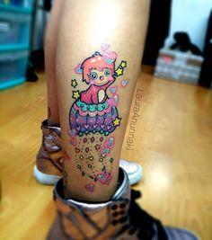 Healed! / Tatuaje cicatrizado!, aunque cris no se puso crema en su piernita jaja :). Se cuido súper bien su tatuajito, si quieren ver más recurrentemente fotos de tatuajes sanos haganmelo saber :3. Les tengo otra sorpresa en los próximos días haha, ando con todo(?) . Aún tengo citas disponibles para Madrid, España! Y seguimos contestando sus mensajito para cotizaciones aquí en la ciudad de México :3 #healed #healedtattoo #healedtattoos #ponyo #ponyotattoo #cutetattoos #cutetattoo…
