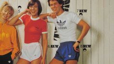 Shorts are short. That's why they're called shorts. But men's shorts in the took short to a whole new level, and all we can say is that we're glad the are over! Adidas Vintage, Adidas Retro, 70s Fashion, Sport Fashion, Vintage Fashion, Sport Style, Vintage Sportswear, 80s Outfit, Adidas Shorts