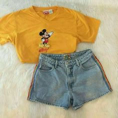 Super vintage outfits for women shorts Ideas Teen Fashion, Korean Fashion, Fashion Outfits, Fashion Styles, Fashion Clothes, Disney Fashion, Hipster Fashion, Fashion 2018, Fashion Women