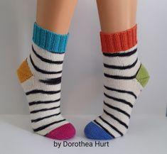 Crochet Socks, Knitting Socks, Knit Crochet, Cool Things To Make, Projects To Try, Slippers, Crocheting, Socks, Envy