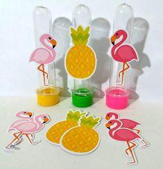 Compre Kit Apliques Flamingos e Abacaxi no Elo7 por R  18,00   Encontre  mais produtos de Decoração de Festa Infantil e Aniversário e Festas  parcelando em ... d3716f5d15