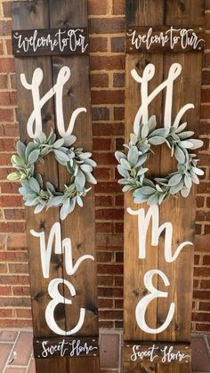 Welcome Home Signs, Welcome Signs Front Door, Front Porch Signs, Wooden Welcome Signs, Outdoor Welcome Sign, Outdoor Signs, Wooden Christmas Decorations, Diy Wood Signs, Wood Signs For Home