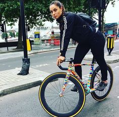 Track Cycling, Urban Cycling, Cycling Girls, Bmx, Fixed Gear Girl, Fixed Gear Bicycle, Female Cyclist, Touring Bike, Bicycle Girl