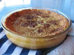 South African Crustless Milk Tart A couple of days ago, on a winter afternoon, with an over-supply of milk from the weekend about to hit it. South African Desserts, South African Dishes, South African Recipes, Africa Recipes, Custard Recipes, Tart Recipes, Baking Recipes, Dessert Recipes, Dessert Ideas