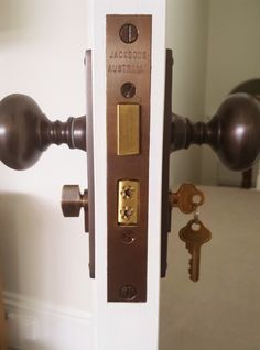 Handles on a Jacksons Mortice Lock, supplied by Mother Of Pearl & Sons. #Jacksons #MOP #MotherOfPearl