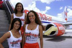 Hooters Air flight attendants