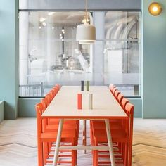 Fine Food Kärlek och Mat, Estocolmo, Suécia. Projeto do escritório NOTA Design Studio. #interiores #arquiteturaeinteriores #arte #artes #arts #art #artlover #design #interiordesign #architecturelover #instagood #instacool #instadaily #furnituredesign #design #projetocompartilhar #davidguerra #arquiteturadavidguerra #shareproject #dinigroom #diningroomdesign #notadesignstudio