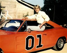 john schneider in my fave car...the general lee