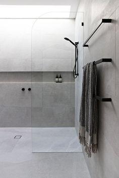 Amazing DIY Bathroom Ideas, Bathroom Decor, Bathroom Remodel and Bathroom Projects to assist inspire your master bathroom dreams and goals. Bathroom Renos, Bathroom Layout, Modern Bathroom Design, Bathroom Interior Design, Bathroom Renovations, Bathroom Ideas, Bathroom Organization, Remodel Bathroom, Minimal Bathroom