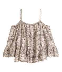 Short off-the-shoulder blouse in woven fabric with narrow, adjustable shoulder straps and 3/4-length sleeves with a flounce. Flounce at hem.| H&M Divided