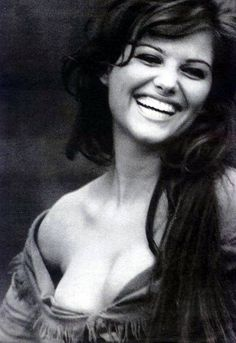 Claudia Cardinale (Fuente: lespetroleuses)