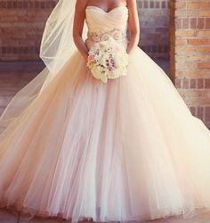 Big gorgeous tule and organza wedding dress
