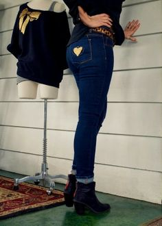 Glitter heart Refashion on Jeans from @La Farme / Anne A. Hollabaugh aka. WobiSobi on BrassyApple.comm #ironon #nosew
