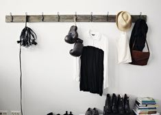 Make your own rack with an old board and metal hooks from the hardware store - Likainen Parketti | Lily