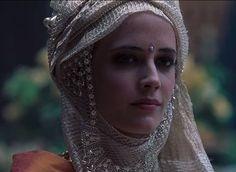 Baudouin IV maria sa soeur aînée, Sibylle, à Guillaume Longue-Epée, marquis de Montferrat. Le roi avait espéré trouver en lui un soutien dans le gouvernement du royaume.