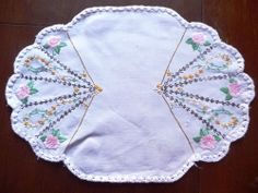 Gorgeous Vintage Hand embroidered Linen Traycloth or Centrepiece - Odd shape 2