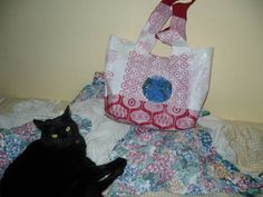 recycle plastic bags to make a bag {DIY}