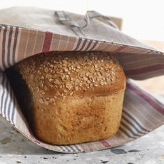 Havrebrød - prøver denne i dag Taste Made, No Knead Bread, Easy Bread Recipes, Banana Bread, Make It Simple, Sandwiches, Lunch, Baking, Bakken