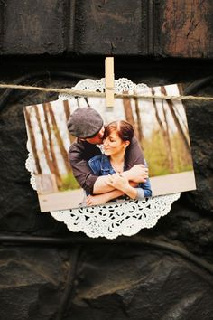 bridal-shower-photo-display-close-up