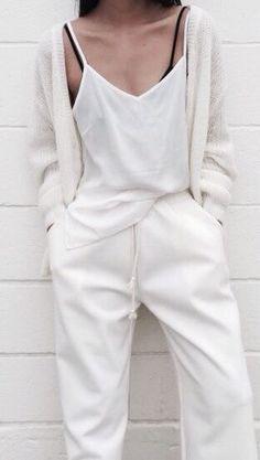 407db7928644 white pant and white tank chennyjoi