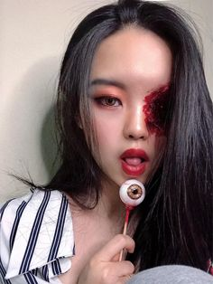 10 Stunning Makeup Ideas for Halloween Amazing Halloween Makeup, Halloween Looks, Halloween Costumes, Sfx Makeup, Costume Makeup, Lorelay Fox, Scarecrow Makeup, Color Your Hair, Eye Jewelry