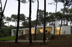 House in Colares by Frederico Valsassina