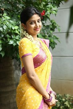 Poonam kaur in saree Beautiful Girl Indian, Most Beautiful Indian Actress, Beautiful Saree, Beautiful Actresses, Beautiful Ladies, Cute Beauty, Beauty Full Girl, Beauty Women, Indian Natural Beauty