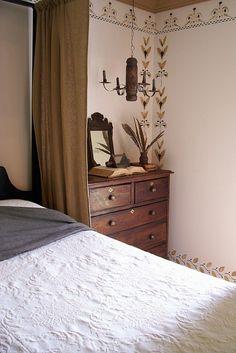 Summer look for master bedroom..Linda B. www.picturetrail.com/theprimitivestitcher