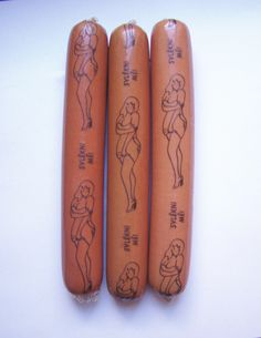 Pin up x saucisses ''Nice to meat you'' via By The Way. Hot Dog Casing, Gender Examples, Nice To Meat You, Chicken And Cow, How To Make Sausage, American Food, Food Art, Hot Dogs, Packaging